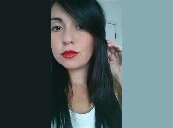 Evelyn - 25 - Profesional