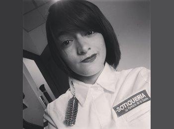 Viviana Uribe - 23 - Profesional