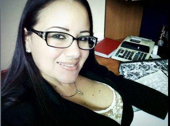 liliana omaña - 36 - Profesional