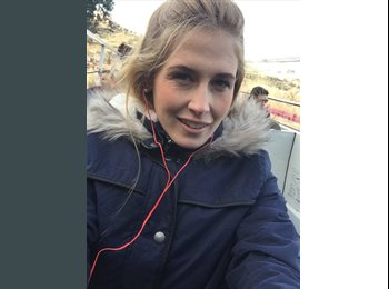 Claudia Badiola - 27 - Profesional