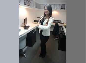 Karina - 35 - Profesional