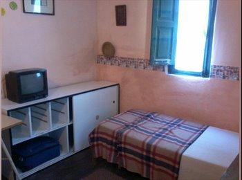 CompartoDepto AR - HABITACIÓN INDIVIDUALAMOBLADA  EN CASA DE FAMILIA - Lomas de Zamora, Gran Buenos Aires Zona Sur - AR$2000
