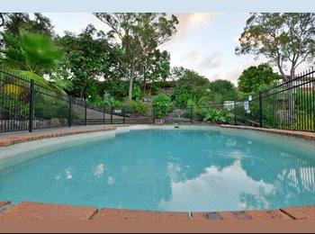 EasyRoommate AU - Great Town House, Pool, WiFi Internet - Highland Park, Gold Coast - $689