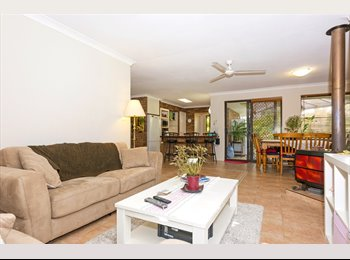 EasyRoommate AU - Share House — FLY IN- RELAX- explore- FLY OUT! - Beldon, Perth - $780