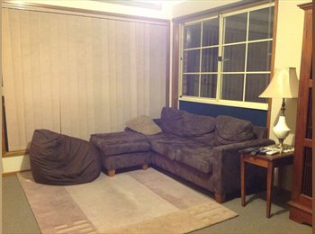 EasyRoommate AU - Queanbeyan Private room  and bathroom with share kitchen and laundry - Queanbeyan, Queanbeyan - $1083