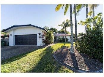 EasyRoommate AU - Share House FIRST WEEK FREE!!! - Arundel, Gold Coast - $693