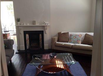 EasyRoommate AU - Bedroom available in beautiful home St Kilda - St Kilda, Melbourne - $1250