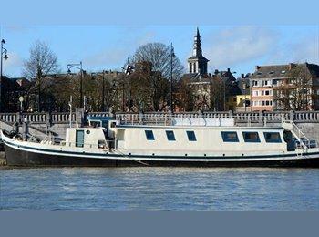 Appartager BE - Sur une péniche, au coeur de la capitale Wallone! - Namur, Namur-Namen - €400