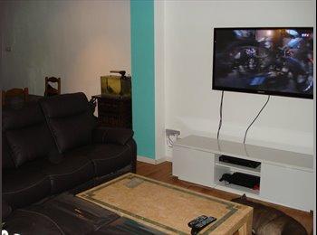 Appartager BE - J.H. loue chambre dans maison en coloc a NIVELLES - Namur, Namur-Namen - €250