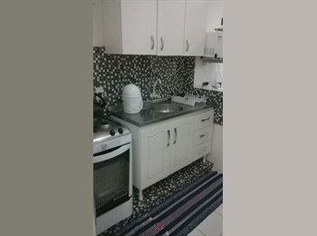 EasyQuarto BR - PROCURO MOÇAS / RAPAZES - Joinville, Região de Joinville - R$400
