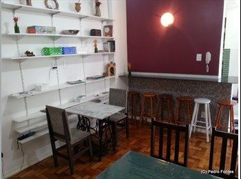 EasyQuarto BR - Vaga p/ estudante - Excelente estado & localização - Botafogo, Rio de Janeiro (Capital) - R$740