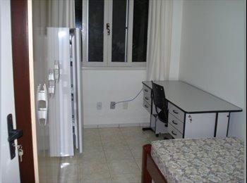 EasyQuarto BR - ALUGO QUARTOS PARA RAPAZES - Joinville, Região de Joinville - R$470