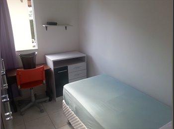 EasyQuarto BR - TENHO UM QUARTO - Joinville, Região de Joinville - R$450