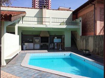 EasyQuarto BR - Vaga em república. Condomínio de ALTO PADRÃO - São José dos Campos, São José dos Campos - R$1100