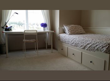 EasyRoommate CA - female roommates only - West, Edmonton - $650