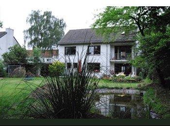 EasyWG DE - Zimmer frei, möb. WLAN, charmanter WG Haus/Garten - Stockum, Dusseldorf - €460