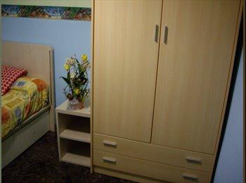 EasyPiso ES - Habitacion ext castelldefels atico vista a montaña - Castelldefels, Barcelona - €300