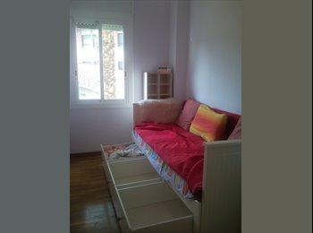 EasyPiso ES - Habitación individual luminosa - Castelldefels, Barcelona - €260