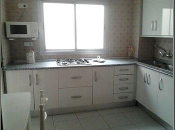 EasyPiso ES - Céntrico  piso con wifi. y calefaccion central - Centro Ciudad, Granada - €180