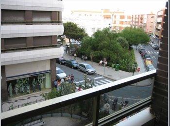 EasyPiso ES - Junto a Facultad de Enfermería y Bus Campus Univer - Centro, Cádiz - €210
