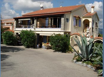 Appartager FR - 1 chambre dans un appart-1er étage villa -calme - Le Pradet, Toulon - €350