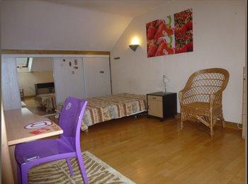 Appartager FR - Chambre à louer dans maison à Lons - Pau, Pau - €350