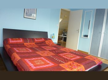 Appartager FR -  2 chambres meublées en colocation chez l'habitant - Quimper, Quimper - €270
