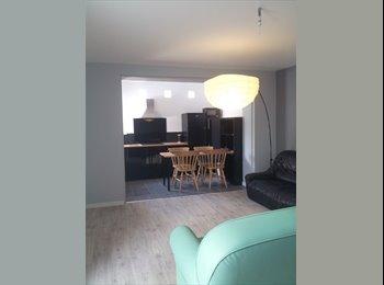 Appartager FR - Coloc calme, prestations et piscine - Avignon, Avignon - €460