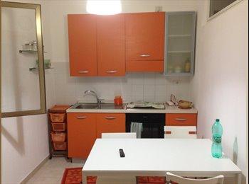 EasyStanza IT - camere singole e doppie vicinissime Giurisprudenza - Murat-San Pasquale, Bari - €200