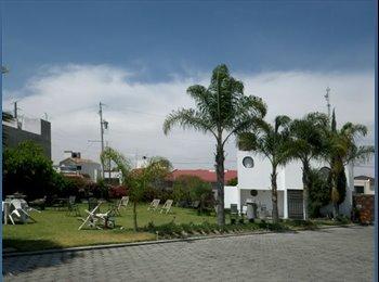 CompartoDepa MX - Casa con excelente ubicación y amplias areas verde - Cholula, Cholula - MX$8000