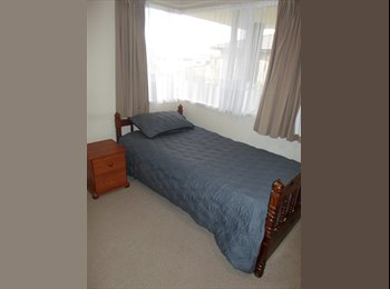 NZ - Massey accommodation - Fitzherbert, Palmerston North - $600