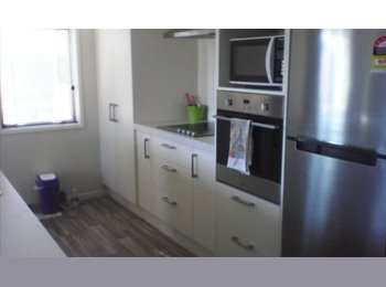 NZ - Double Room with Ensuite   -   $200 Including bill - Wigram, Christchurch - $1127