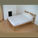EasyRoommate UK Spacious Professionals' H/s with Cleaner - Swindon Town Centre, Swindon - £ 385 per Month - Image 1