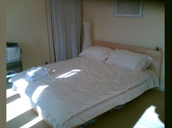 EasyRoommate UK - 34,Burlington Terrace, Victoria Park North, Cardiff. Double rooms available. - Llandaff, Cardiff - £350