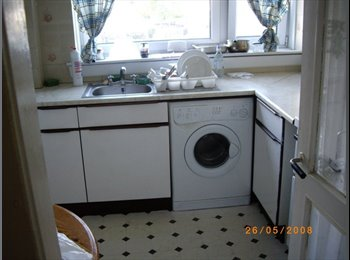 EasyRoommate UK Furnished room in shared flat at Clermiston - Blackhall, Edinburgh - £350 per Month,£81 per Week£0 per Day - Image 1