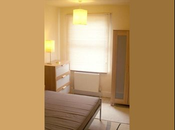 EasyRoommate UK - Bright  room in lovely friendly house - Wolverton, Milton Keynes - £375