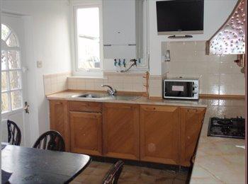 EasyRoommate UK - DESIRABLE HOUSE OPPOSITE THE UNI OF CUMBRIA - Lancaster, Lancaster - £217