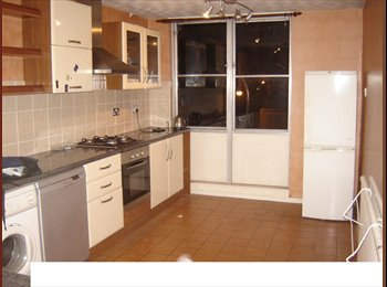 EasyRoommate UK - Double Room to let in Sutton Dhss / Dss Welcome. - Sutton, Reigate and Banstead - £340