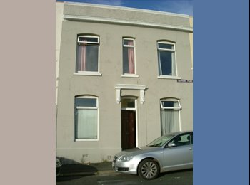 EasyRoommate UK - Student Let 6 Double rooms - Mutley, Plymouth - £333