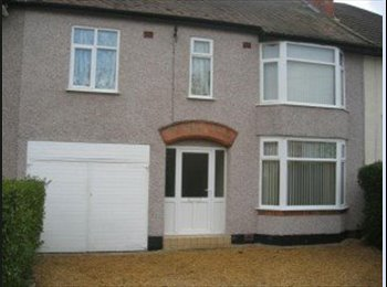 EasyRoommate UK - Stunning 5 Bedroom House in Coventry - Tile Hill, Coventry - £900