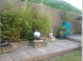 EasyRoommate UK - Short term large single room to let, family house. - Hove, Brighton and Hove - £412