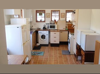 EasyRoommate UK - Rooms in Large House Available - Hove, Brighton and Hove - £560