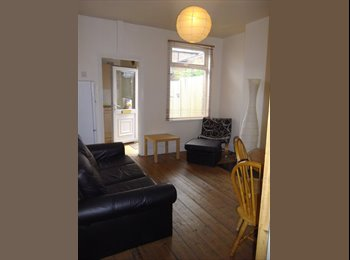 EasyRoommate UK - 4 Bed Student House - Ecclesall, Sheffield - £312