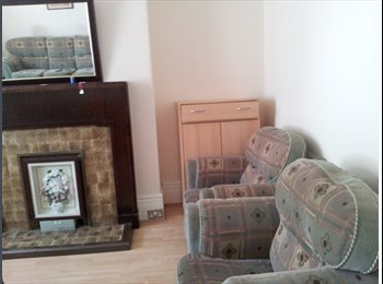 EasyRoommate UK - Room to rent in a large townhouse  (terraced). - Fenham, Newcastle upon Tyne - £260