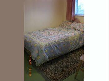 EasyRoommate UK - single room - Stratton St Margaret, Swindon - £328
