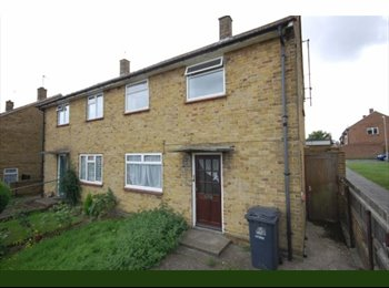 EasyRoommate UK - Now Reduced rent! 5 Bed Student Property NR UKC - Canterbury, Canterbury - £320