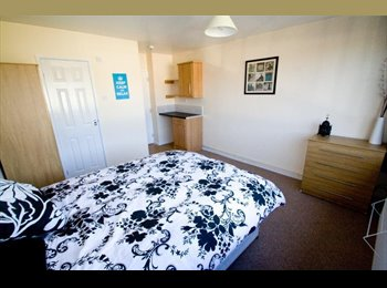 EasyRoommate UK - ** NEW ** Great DOUBLE Room Close to Town Centre! - Peterborough, Peterborough - £350