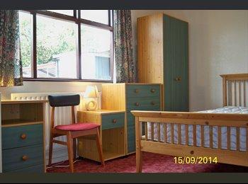 EasyRoommate UK - EXLNT STUDENT HOUSE 10 mins to uni ALL INCLUSIVE - Loughborough, Loughborough - £286