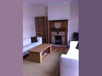 EasyRoommate UK - 1 x Room in Wrexham - 10 mins from uni! - Wrexham, Wrexham - £349