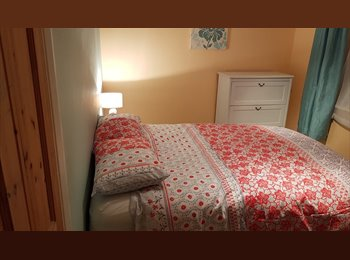 EasyRoommate UK - Large Dble Room. Exc Location would suit commuter - Farnborough, Hart and Rushmoor - £400